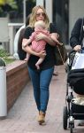 Celebrities Wonder 76801742_hilary-duff-son-Luca_6.jpg