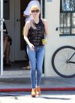 Celebrities Wonder 83985432_emma-roberts_1.JPG