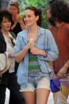 Celebrities Wonder 85285995_leighton-meester-gossip-girl-set_8.jpg