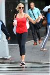 Celebrities Wonder 85848723_cameron-diaz-leggings_1.JPG