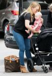 Celebrities Wonder 86858250_hilary-duff-son_4.jpg