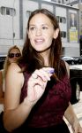 Celebrities Wonder 89319227_jennifer-garner-good-morning-america_7.jpg