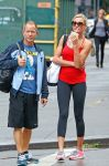 Celebrities Wonder 90098823_cameron-diaz-leggings_7.jpg