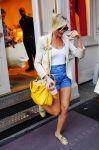 Celebrities Wonder 92792460_cameron-diaz-stella-mccartney-store_4.jpg