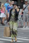 Celebrities Wonder 93136422_blake-shopping_2.jpg