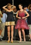 Celebrities Wonder 98146980_Blake-Lively-Leighton-Meester-set-Gossip-Girl_3.jpg