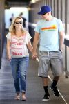 Celebrities Wonder 99321859_pregnant-reese-witherspoon-hospital_3.jpg