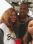 Celebrities Wonder 2844193_beyonce-jay-z-festival_4.jpg