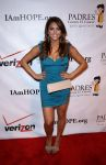 Celebrities Wonder 30927668_Padres-Contra-el-Cancer_Cassie Scerbo 1.jpg