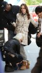 Celebrities Wonder 33180872_leighton-meester-gossip-girl-set_5.jpg