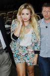 Celebrities Wonder 34753725_demi-lovato-MTV-studios_8.jpg