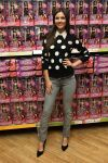Celebrities Wonder 38918539_victoria-justice-signing_1.jpg