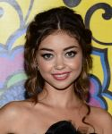 Celebrities Wonder 39041861_sarah-hyland-hbo-emmy_4.jpg