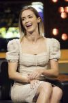 Celebrities Wonder 39376710_emily-blunt-The-Jonathan-Ross-Show-London_7.jpg