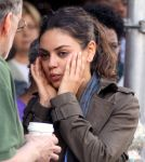 Celebrities Wonder 4158644_mila-kunis-set_7.jpg