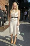 Celebrities Wonder 46112915_kaley cuoco-letterman_1.jpg