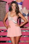 Celebrities Wonder 48531988_alessandra-ambrosio-fno_4.jpg