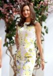Celebrities Wonder 49427147_miranda-kerr-clear-scalp_6.jpg