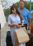 Celebrities Wonder 49535592_jessica-biel-airport_4.jpg
