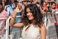 Celebrities Wonder 50822383_salma-hayek-savages-deauville_3.jpg