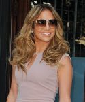 Celebrities Wonder 55273434_jennifer-lopez-Tribeca_5.jpg