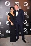 Celebrities Wonder 55290985_salma-hayek-gucci-award_2.jpg