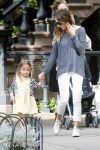 Celebrities Wonder 55781015_sarah-jessica-parker-twins_2.jpg