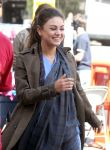 Celebrities Wonder 62354851_mila-kunis-set_6.jpg
