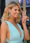 Celebrities Wonder 62685744_heidi-klum-2012-emmy_7.JPG