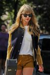 Celebrities Wonder 63360504_taylor-swift-nyc_5.jpg