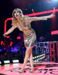 Celebrities Wonder 64971174_2012-iHeartRadio-Music-Festival_7.JPG