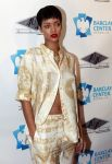 Celebrities Wonder 69121579_rihanna-4040_2.jpg
