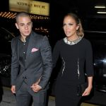 Celebrities Wonder 70894205_Jennifer-Lopez-Casper-Smart_7.jpg