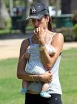 Celebrities Wonder 74090310_alessandra-ambrosio-baby_5.JPG