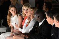 Celebrities Wonder 74182471_calvin-klein-spring-2013-front-row_7.jpg