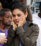 Celebrities Wonder 7541920_mila-kunis-set_8.jpg