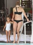 Celebrities Wonder 77030740_jennifer-lopez-bikini_2.jpg