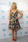 Celebrities Wonder 80408642_10-Years-brunch-reunion_Ari Graynor 1.jpg