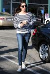 Celebrities Wonder 85681338_liv-tyler-whole-foods_1.jpg