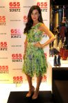Celebrities Wonder 87666266_camilla-belle-Shutz-shoe-store_1.jpg