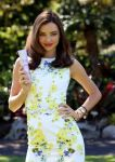 Celebrities Wonder 92149567_miranda-kerr-clear-scalp_4.jpg