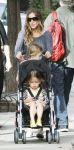 Celebrities Wonder 92476871_sarah-jessica-parker-twins_5.jpg