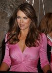 Celebrities Wonder 10538307_elizabeth-hurley-Lights-up-Empire-state-Building_8.jpg