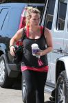 Celebrities Wonder 11086633_hilary-duff-pilates_4.jpg