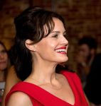 Celebrities Wonder 11282162_Benefit-for-Opportunity-International_Carla Gugino 4.jpg