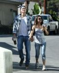 Celebrities Wonder 21577074_Mila-Kunis-Ashton-Kutcher_1.jpg