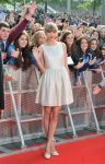 Celebrities Wonder 2411676_taylor-swift-BBC-Radio-1-Teen-Awards-London_5.jpg