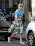 Celebrities Wonder 24756316_taylor-swift-paris_4.jpg