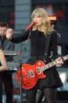 Celebrities Wonder 2565900_taylor-swift-Good-Morning-America-performance_4.jpg