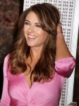 Celebrities Wonder 2750079_elizabeth-hurley-Lights-up-Empire-state-Building_6.jpg